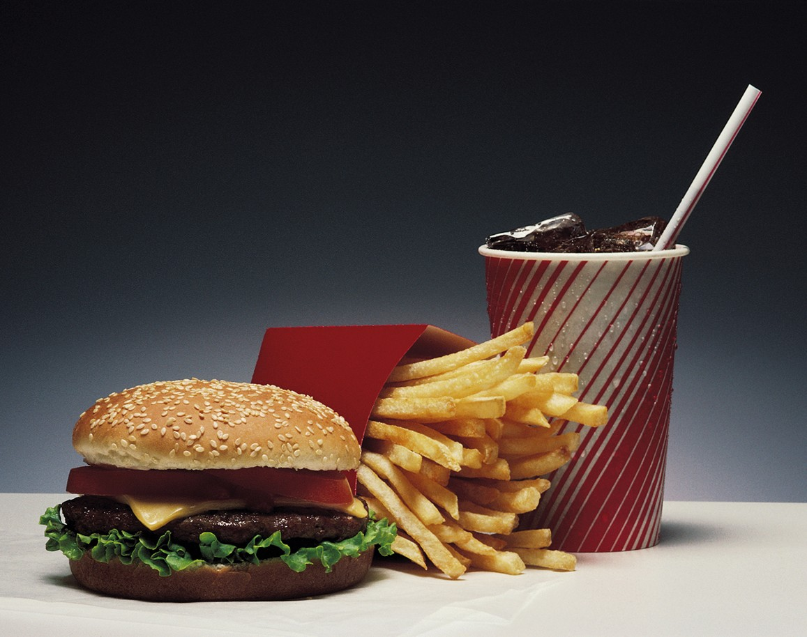 Sugar-sweetened beverages decrease fat oxidation