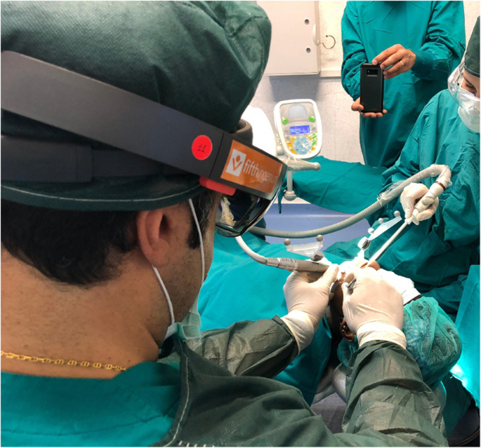 Augmented reality for dental implantology: a pilot clinical