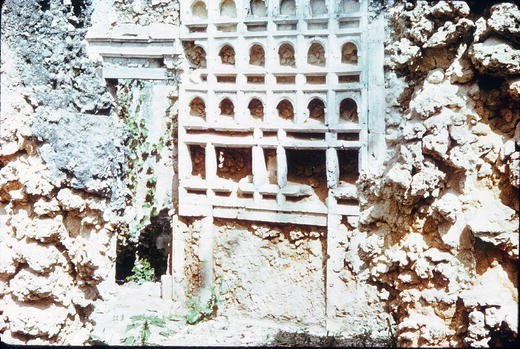 Pillar Tombs and the City: Creating a Sense of Shared