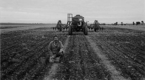 Advances in no till farming technologies and soil compaction open image in new window fandeluxe Images