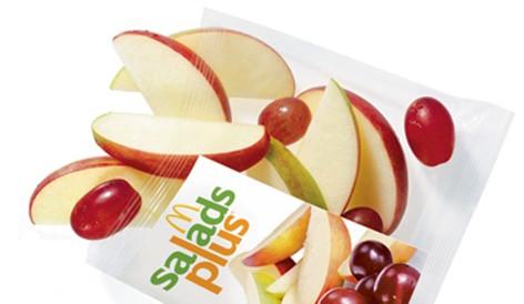 Postkarte Allgemein Apfel mit Herz in den Händen