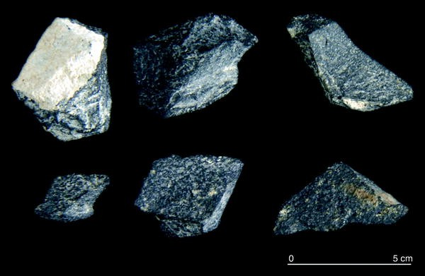 Flint Stone Natural Round Hand Hammer Neanderthal Tool Flint-knapping 777 gr