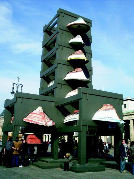 Wrapped Reichstag Berlin 1971-95 A Documentation Exhibition = Eine Dokumentationsausstellung Christo and Jeanne-Claude
