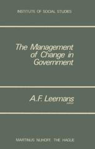 lucian pye aspects political development